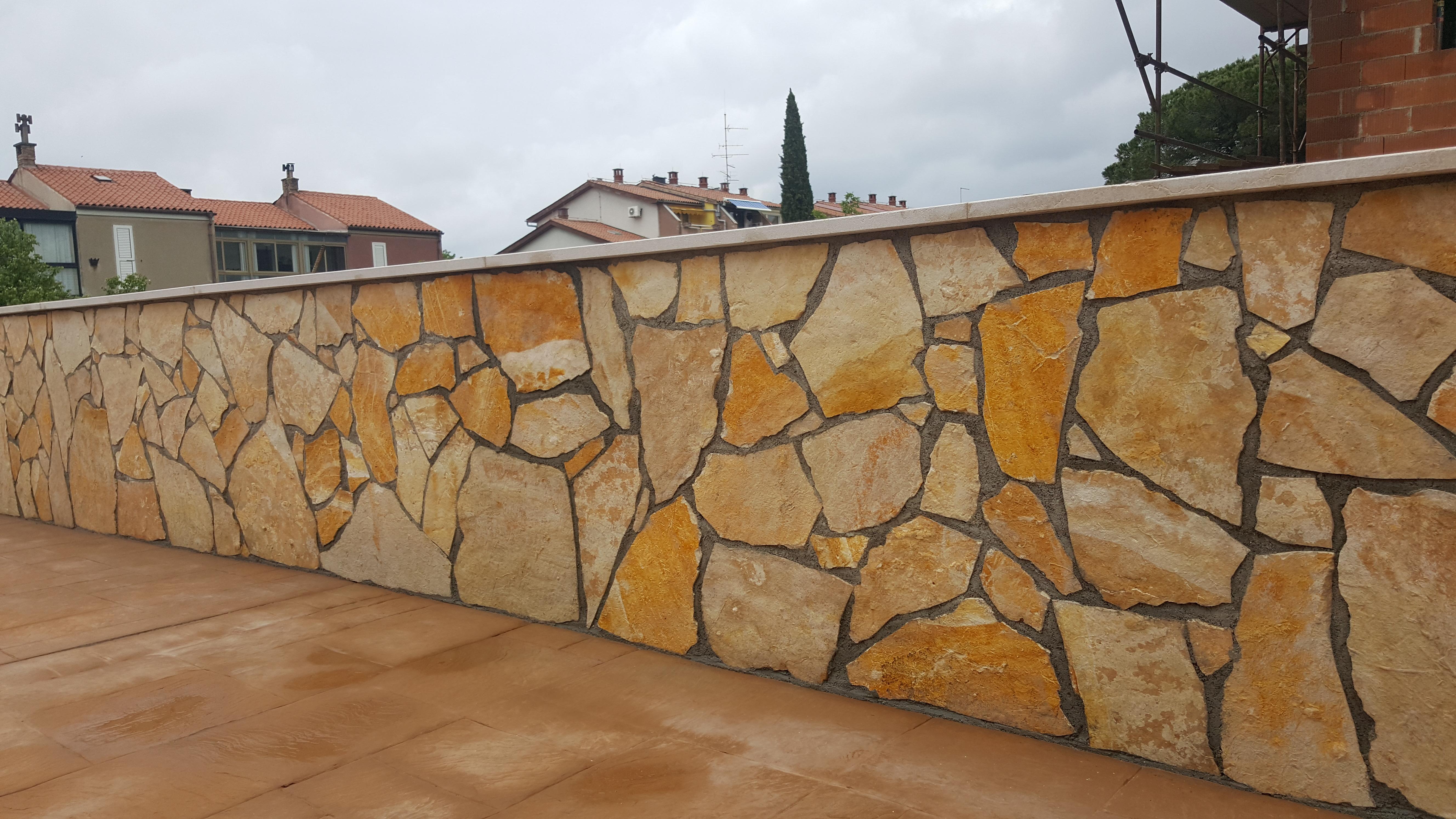 Z kamnitimi oblogami zida spremenimo vase dvorisce v nekaj izjemnega.